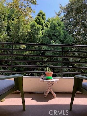 280 Cagney Lane, Newport Beach CA: http://media.crmls.org/medias/4f652106-768d-4e1e-8fff-6200760a9608.jpg