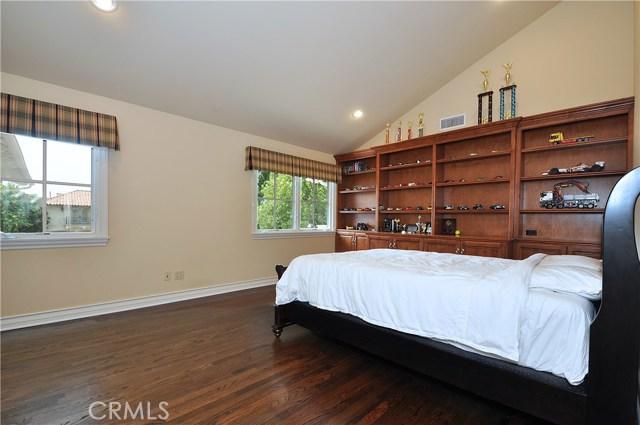 1 Clear Vista Drive, Rolling Hills Estates CA: http://media.crmls.org/medias/4f7108a7-e511-4841-8668-bd72886331da.jpg