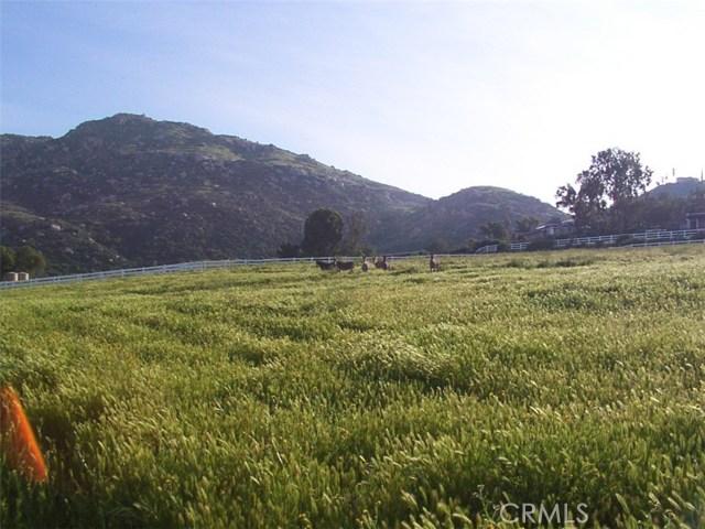 9229 Box Springs Mountain Road, Moreno Valley CA: http://media.crmls.org/medias/4f77ba99-376a-45f6-a712-c85131415d4d.jpg