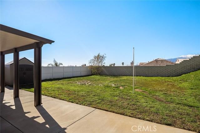 6820 N Melvin Avenue, San Bernardino CA: http://media.crmls.org/medias/4f7fd7a5-3c21-49f4-9aaa-fb8e8ee5c080.jpg