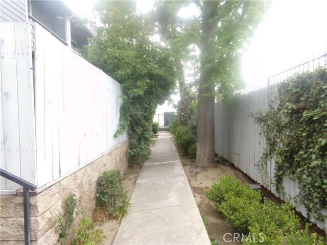 15113 Saticoy Street, Van Nuys CA: http://media.crmls.org/medias/4f85da12-3bd5-4aaa-b7a7-1210850a4cd3.jpg