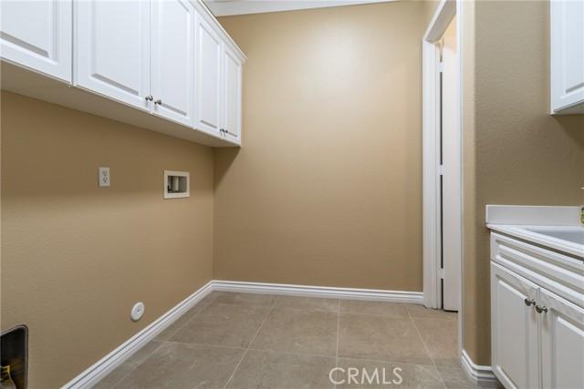 1381 Sweetpea Lane, Beaumont CA: http://media.crmls.org/medias/4f927258-9415-4cdb-abb1-3c5f3db69954.jpg