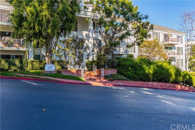 Photo of 200 Mcneil Lane #4, Newport Beach, CA 92663