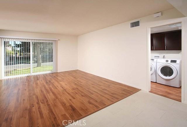 219 California Street, Arcadia CA: http://media.crmls.org/medias/4fb77950-0613-443a-96fb-fe5f3125aed2.jpg