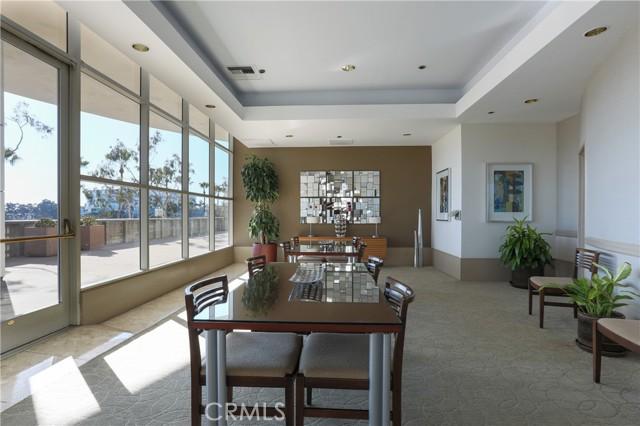 700 E Ocean Boulevard, Long Beach CA: http://media.crmls.org/medias/4fbf7152-6f60-4b12-aa82-1e7c754d9aed.jpg