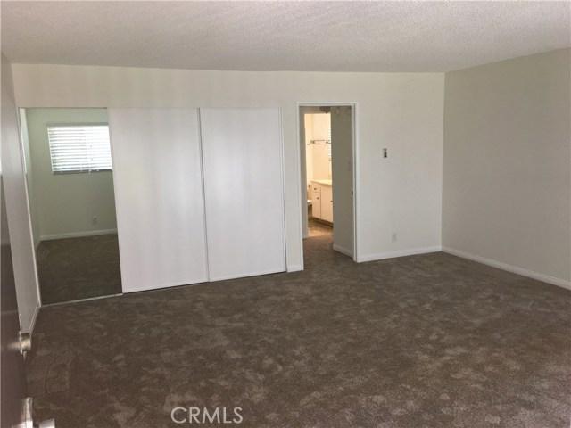 2940 W Carson Street, Torrance CA: http://media.crmls.org/medias/4fc6caa9-fcdc-442a-a022-8dbb4ef9ba2c.jpg