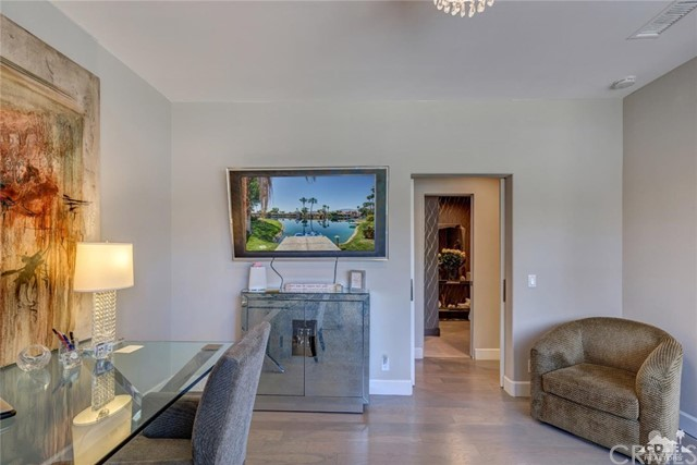 186 Desert Lakes Drive, Rancho Mirage CA: http://media.crmls.org/medias/4fdc2cf4-8764-4540-8216-2c481b87f540.jpg