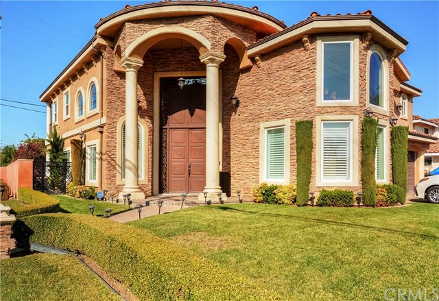 Detail Gallery Image 1 of 57 For 9247 Manzanar Ave, Downey,  CA 90240 - 5 Beds   5 Baths