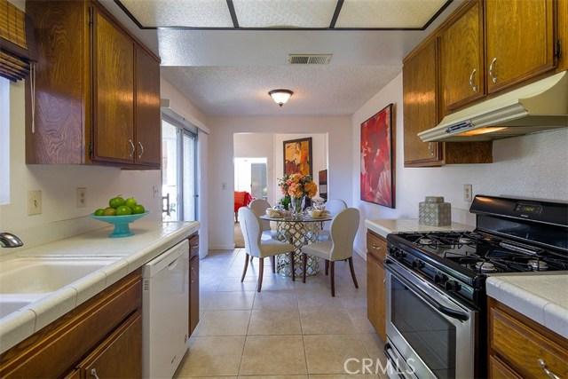 1034 Royal Oaks Drive, Monrovia CA: http://media.crmls.org/medias/4ffe0909-87db-4910-bcc3-c216577bc9c7.jpg