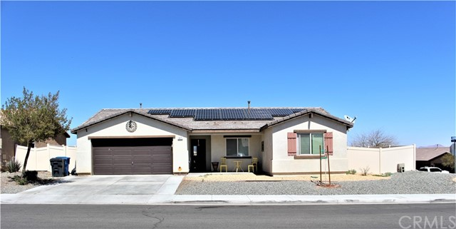Detail Gallery Image 1 of 38 For 917 Bluebird St, Barstow,  CA 92311 - 4 Beds | 2 Baths