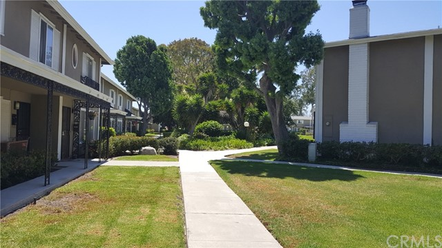 3195 College Avenue Costa Mesa, CA 92626 is listed for sale as MLS Listing OC17189911