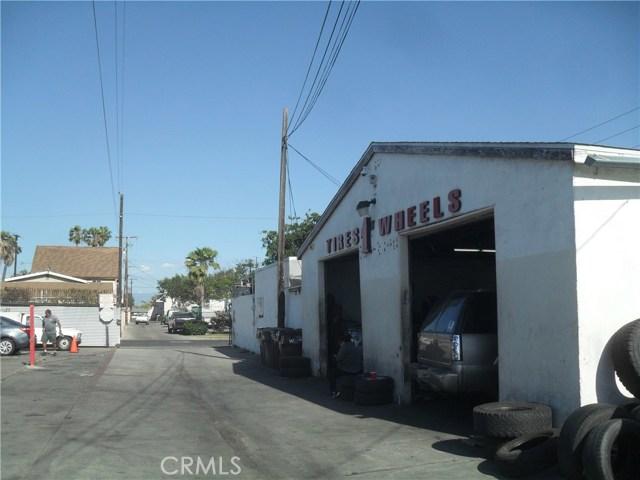 3625 W First Street, Santa Ana CA: http://media.crmls.org/medias/5010b9a6-c415-46c0-a0f2-399d311d0ff7.jpg
