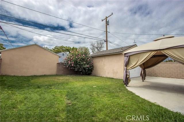 3753 Petaluma Avenue, Long Beach CA: http://media.crmls.org/medias/5011da73-acaf-43d2-9806-8ca2a75bbf32.jpg