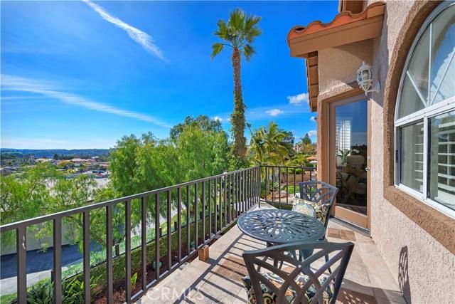 27066 Pacific Terrace Drive, Mission Viejo CA: http://media.crmls.org/medias/50150152-09b6-4197-8196-a5f79699e295.jpg