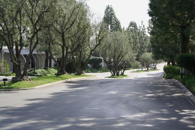 24001 Muirlands Boulevard, Lake Forest CA: http://media.crmls.org/medias/501ff3df-1b6d-40eb-a867-c827ea21687a.jpg