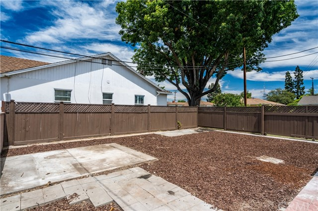 7957 Kingbee Street Downey, CA 90242 - MLS #: DW17172377
