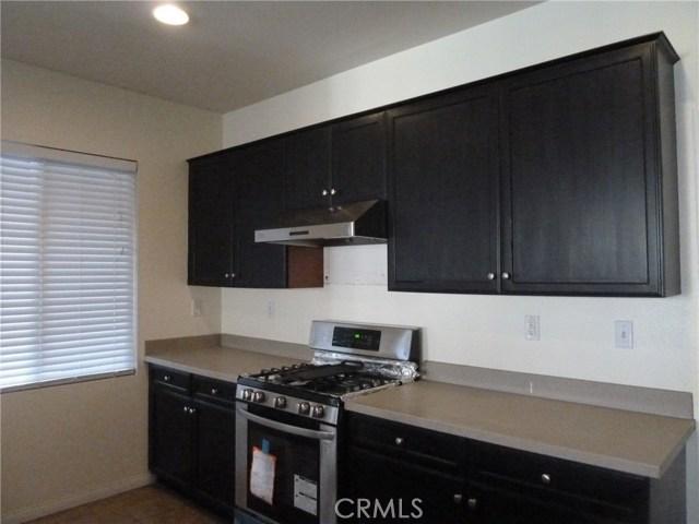 14460 runyon Drive, Eastvale CA: http://media.crmls.org/medias/50515576-4843-4607-a804-927bddaff1d0.jpg