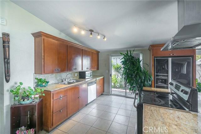 2208 W Midwood Ln, Anaheim, CA 92804 Photo 2