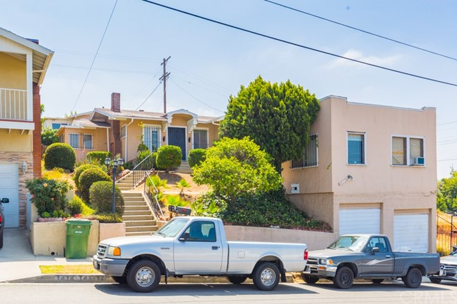 1412 Mount Pleasant Street, Los Angeles CA: http://media.crmls.org/medias/508968b9-a80b-478a-b001-b411ebc8f22d.jpg