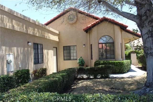 11591 Ash Street, Apple Valley CA: http://media.crmls.org/medias/508b4464-dbf6-41e2-9d76-fe317b54affa.jpg