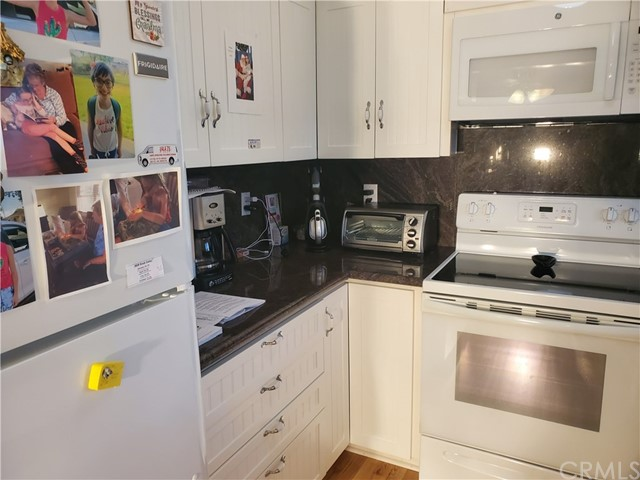 22645 Nadine Circle, Torrance, California 90505, 2 Bedrooms Bedrooms, ,2 BathroomsBathrooms,Condominium,For Sale,Nadine,SB19273155