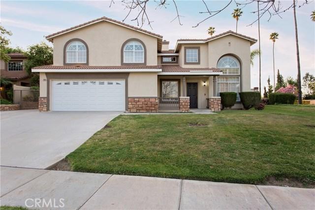 2908  Gilbert Avenue, Corona, California