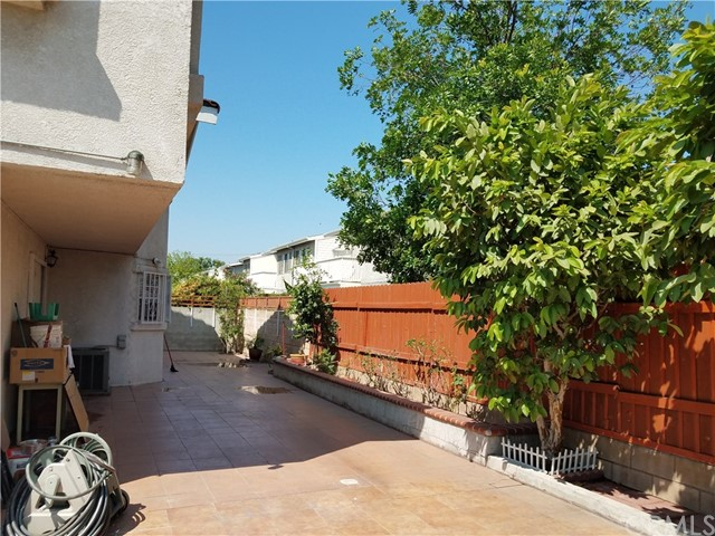 9744 Cortada Street, El Monte CA: http://media.crmls.org/medias/50a6c987-003f-4cab-ac52-1763d4295dd2.jpg