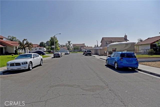 9379 Delfern Lane, Riverside CA: http://media.crmls.org/medias/50bc0d6a-b67b-4054-9ef7-8992b93b263e.jpg
