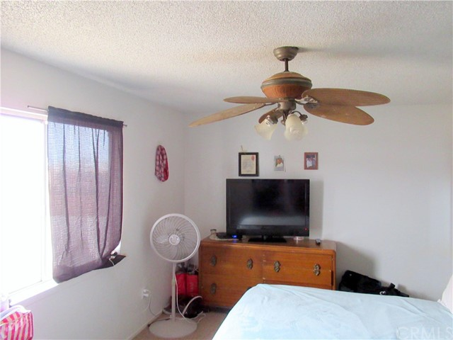 34313 Paris Street Barstow, CA 92311 - MLS #: CV18066556