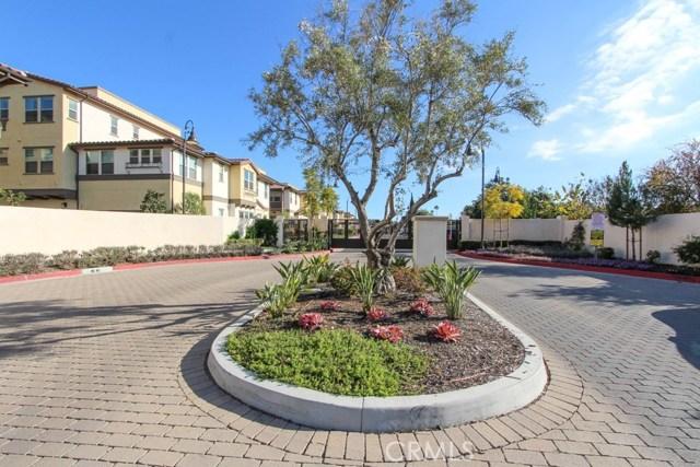 3830 W KENT Avenue, Santa Ana CA: http://media.crmls.org/medias/50cecb8c-dbc1-4763-99ad-05b835ae21ad.jpg