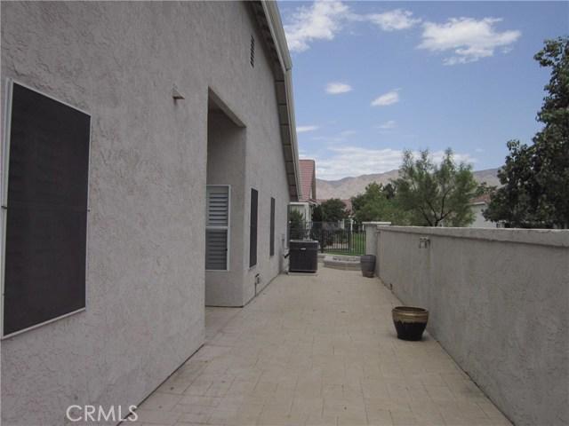 777 Zaphiro Court, San Jacinto CA: http://media.crmls.org/medias/50d8c3c1-56d8-4b0a-87d3-fdf1bc2519ae.jpg