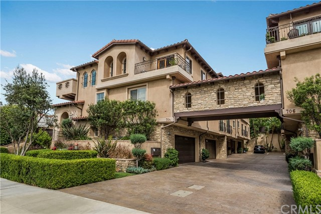704 S Pacific Coast Hwy D, Redondo Beach in Los Angeles County, CA 90277 Home for Sale