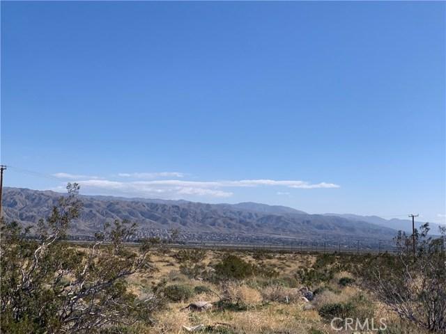 16529 15th Ave, Desert Hot Springs CA: http://media.crmls.org/medias/50df1879-83aa-4bce-9b9d-5d5f7420c14a.jpg