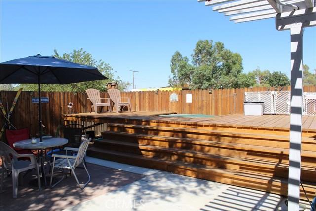 11033 Merino Avenue, Apple Valley CA: http://media.crmls.org/medias/50dfaf27-eea9-4b1d-941e-6f6d2c392cb8.jpg