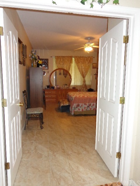 2705 Claret Circle, Livingston CA: http://media.crmls.org/medias/50ea54eb-9989-4966-ae1e-a8c867871301.jpg