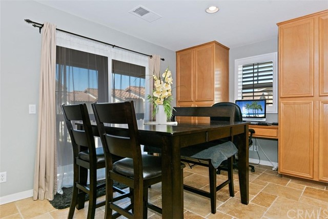 10339 W Cooks W Drive, Rancho Cucamonga CA: http://media.crmls.org/medias/50f7dcae-9a50-4b7b-a71c-d42feed8c55c.jpg
