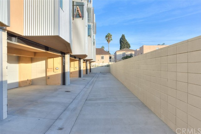 912 N Alvarado St, Los Angeles, CA 90026 Photo 1