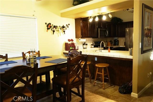 5467 N Delbert Avenue, Fresno CA: http://media.crmls.org/medias/51049e0e-2ce7-4064-83a8-c2c4681f008b.jpg