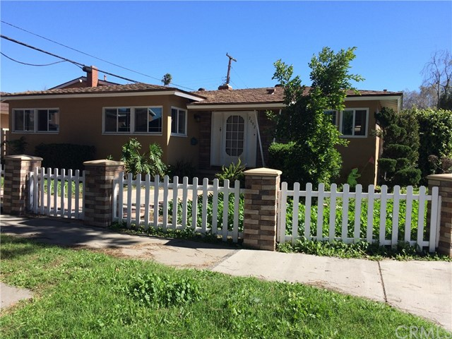 Single Family Home for Sale at 2002 Lees Avenue Long Beach, California 90815 United States