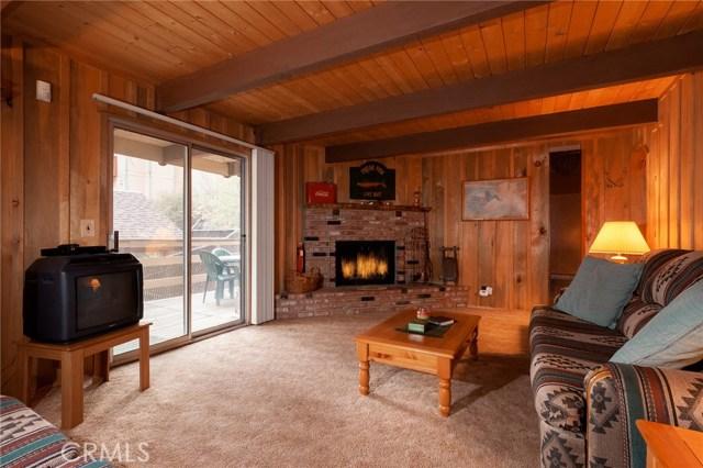 437 Gold Mountain Drive, Big Bear CA: http://media.crmls.org/medias/51125c12-7b23-4705-b08e-d555f8958f33.jpg