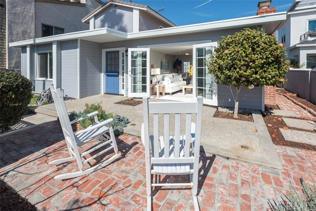 906 Palm Avenue, Huntington Beach, CA, 92648