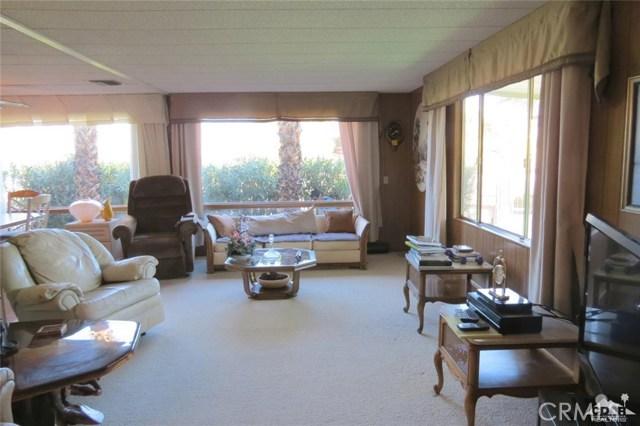 7 Circle A Drive, Palm Desert CA: http://media.crmls.org/medias/51174d38-67dd-4c7f-9fdd-503ca8f90bc9.jpg