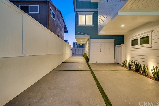 704 Loma, Hermosa Beach, CA 90254 photo 13