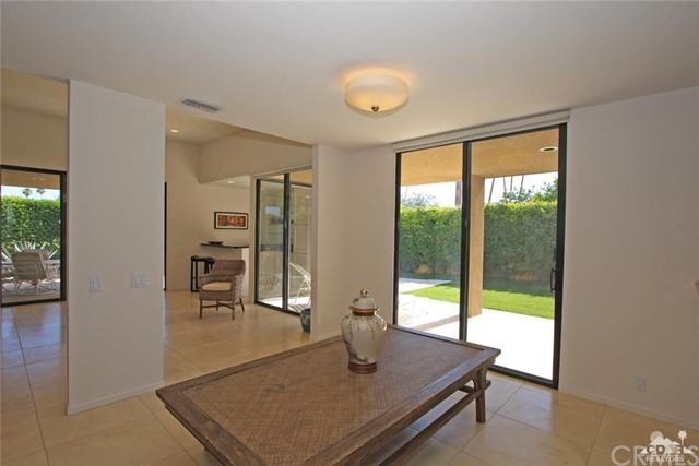 1350 Marion Way, Palm Springs CA: http://media.crmls.org/medias/5131e413-1342-410e-8d49-1794548c236e.jpg