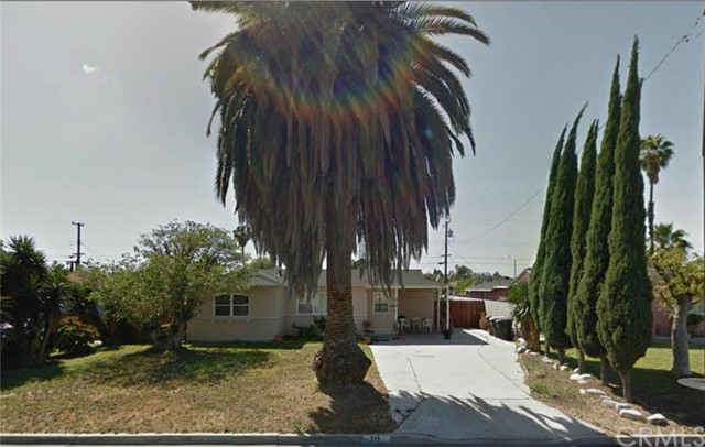 Single Family Home for Sale at 215 North Lindsay St 215 Lindsay Anaheim, California 92801 United States