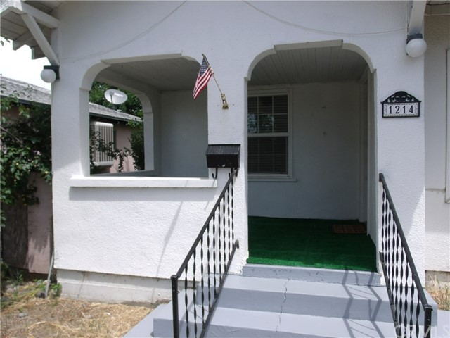 1214 Yolo Street, Corning CA: http://media.crmls.org/medias/51366863-5eca-4123-b03e-252dc34168e4.jpg