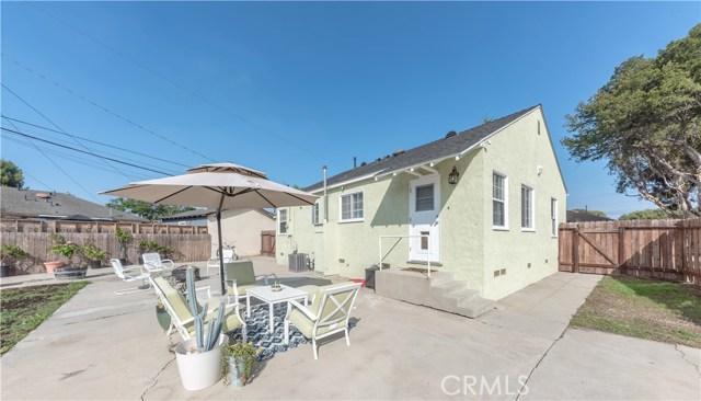 4514 E De Ora Way, Long Beach CA: http://media.crmls.org/medias/51472680-7bd4-4364-b369-150569be4450.jpg