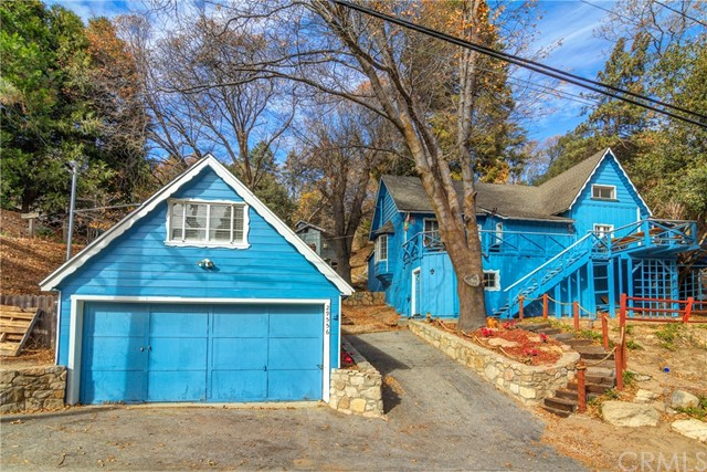 Single Family Home for Sale at 29556 Hook Creek Road Cedar Glen, California 92321 United States