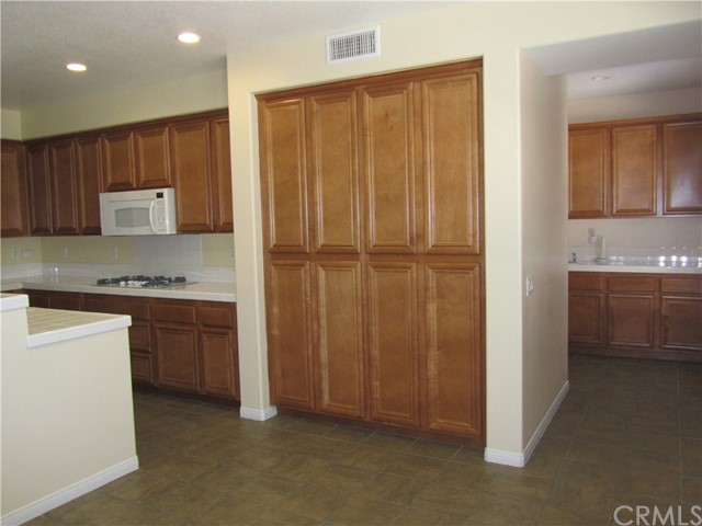 7548 Calistoga Place, Rancho Cucamonga CA: http://media.crmls.org/medias/515b91ee-d5de-40b4-abd8-0fde0cee2341.jpg