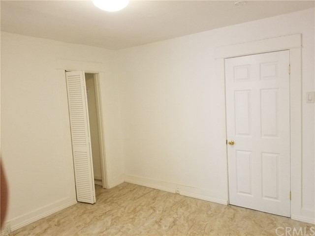 1818 E 10th Street, Long Beach CA: http://media.crmls.org/medias/5160b28e-9c60-49b6-9228-121096449f7a.jpg